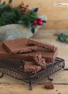 Turrón de chocolate y arroz inflado. Receta Chocolate World, Food N, Yule, Sweet Recipes, Bakery, Sweets, Cooking, Christmas, Pastel