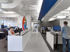 Teknion Counterbalance Height-Adjustable Table in Linkedin's NYC office