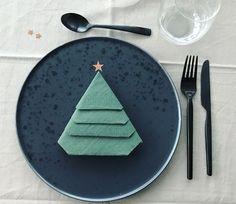 Fold serviett som juletræ