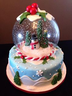 Christmas snow globe cake created by www allthatfrost com Christmas Themed Cake, Christmas Cake Designs, Christmas Cake Decorations, Christmas Cupcakes, Holiday Cakes, Christmas Goodies, Christmas Desserts, Christmas Treats, Christmas Baking