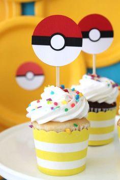 Cupcakes - 35 ideias e inspirações para festa Pókemon | Macetes de Mãe