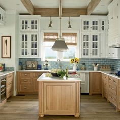 Awesome 50 Charming Coastal Kitchen Ideas https://bellezaroom.com/2018/01/08/50-charming-coastal-kitchen-ideas/