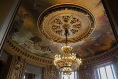 Pas besoin de mots  —————————————————————— ∆ ∆ ∆ ∆ —————————————————————— #Lustr..., #architecture #beauté #beauty #besoin #Chandelier #FeelTheMoment #france #Light #lumiere #Lustr #lustre #lustredesign #monument #mots #oldschool #opera #operagarnier #Painting #Paris #Pas #peinture,Lustre ,Chandelier ,OldSchool ,opera ,operagarnier ,peinture ,painting ,light ,lumiere ,FeelTheMoment ,Paris ,France ,Beauty ,beauté ,Monument ,archi... Lustre Design, Chandelier, Paris France, Ceiling Lights, Architecture, Painting, Words, Paint, Arquitetura