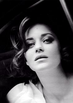 ♀ Black and white photography actress woman portrait - marion cotillard..