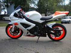 Pink And White Motorcycle White Motorcycle, Suzuki Motorcycle, Honda Motorcycles, Cars And Motorcycles, Fast Go Karts, Suzuki Gsx R 750, Orange Wheels, Custom Sport Bikes, Gsxr 1000