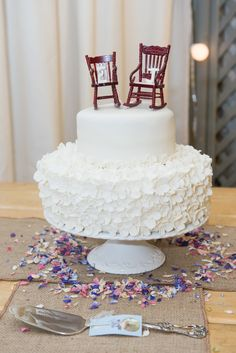 Autumn Theme Wedding Cake With Rocking Chair Topper