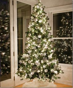 Snow Christmas Tree � and $100 Gift Card Giveaway