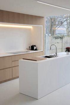 Strak  Houten deuren Wit blad + spatblad! LED verlichting?