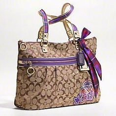 i love this purse. it was my first coach purchase ever, and i love it! #coach #purse