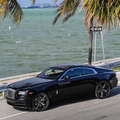 Rolls Royce Wraith - cc: @WantSomeStyle Photo by @SolomonLunger