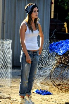 Rachel Bilson (Dr. Zoe Hart) - Hart of Dixie -- Best outfit she wears in the whole first season!
