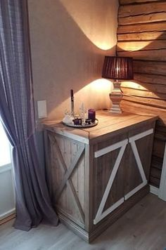 Låve skap Entryway Tables, Furniture, Home Decor, Homemade Home Decor, Home Furnishings, Decoration Home, Arredamento, Interior Decorating