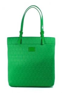 MK neoprene in Kelly green. Amazon Fba Business, Travel Tote, Tote Purse, Womens Tote Bags, Michael Kors Jet Set, Purses, My Style, Kelly Green, Shoes