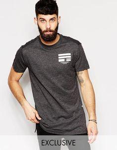 Lang geschnittenes T-Shirt von G-Star Baumwoll-Jersey Rundhalsausschnitt Aufdruck auf Brust und Rücken langer Schnitt länger als reguläre Länge Maschinenwäsche 100% Baumwolle Model trägt Größe M und ist 5 Fuß 11,5 Zoll/181 cm groß exklusiv bei ASOS