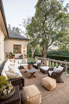 You can decorate your porch with elements from your home design. Add things such as chairs, sofas, coffee tables, or even fire pits to make it more comfortable. Here are 16 great ideas you can try at home. #patio #porch #traditional