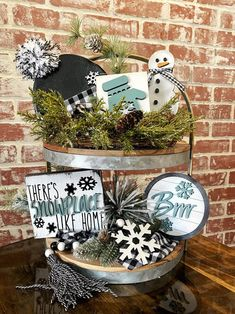 Winter Home Decor, Winter House, Decorating For Winter, Rustic Winter Decor, Snowman Decorations, Christmas Decorations, Winter Porch Decorations, Christmas Ideas, Christmas Crafts