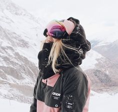 I cant turn water into wine but i can turn snow into breakfast‍♀️ Snowboards, Ski Fashion, Winter Fashion, Snowboard Girl, Snow Outfit, Ski Gear, Ski Season, Foto Pose, Winter Pictures