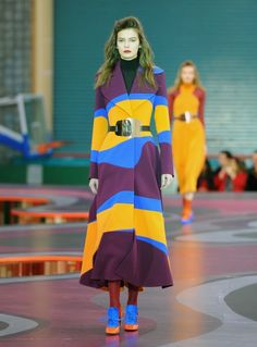 The shape is gorgeous and the colours/pattern are awesome. (Roksanda Ilincic 2015)