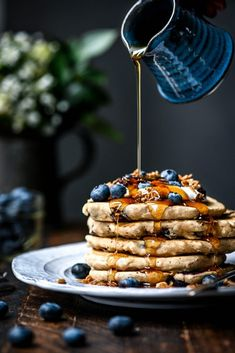 Is there anything better than blueberry pancakes? - gluten free & vegan fluffy blueberry pancakes, best served with vegan whipped cream, fresh blueberries, granola and of course, maple syrup. Vegan Blueberry, Blueberry Pancakes, All Purpose Flour Recipes, Salade Healthy, Vegan Whipped Cream, Un Cake, Vegan Baking, Vegan Food, Vegan Gluten Free