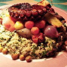 Sale tabule con pulpo Black Eyed Peas, Instagram Posts, Food, Deer, Octopus, Recipes, Essen, Meals, Yemek