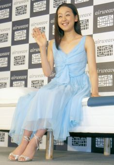 Mao Asada, pose and smile for the Press during her official Sponsor ー  Airweave Mattress ー New Promotional CM announcement.  = Meguro, Tokyo; May 28, 2012. ・ Photo by Haga Tatsuya