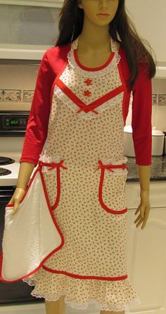 Full apron Extra long  Vintage Style-I would like this better if it had a more girly shape but the fabric and detail are really cute!