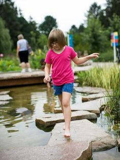 Whether you're looking for a scenic place to walk or for gardening education, these public gardens throughout the Midwest will inspire you.