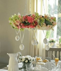 Dekorace, které Vám nezaberou žádné místo: 20+ nádherných nápadů na jarní dekorace, které jen zavěsíte! | Prima Tablescapes, Projects To Try, Table Settings, Shabby, Wreaths, Table Decorations, Spring, Crafts, Craft Things