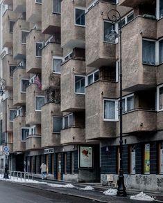 1,834 отметок «Нравится», 4 комментариев — #SOCIALISTMODERNISM (@socialistmodernism) в Instagram: «Apartment building on Karowa Street, Warsaw, Poland Built in 1978 Architects Henryk Dąbrowski,…»