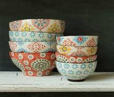 Resultado de imagem para boho chic table setting & Bohemian dishes. Color dishes. Boho chic Tablware. Gypset style ...
