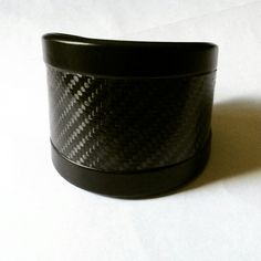 Bracciale in alluminio e fibra di carbonio. Alumunium bracelet with carbon fiber. SKIN Collection  www.auralma.com