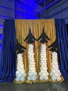 Balloon photo backdrop for Blue Angels autograph area. Jets and smoke trails #abovetheresteventdesigns #abovetherestballoons #balloonsknoxville #balloonsculptures