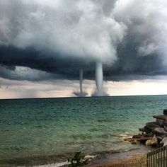 Wisconsin Weather in 18 Incredible Photos | Waterspouts in Pleasant Prairie