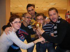La Parroquia con la Copa del Mundo.