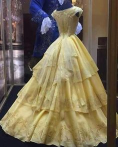 THE BACK OF THE DRESS IS BEAUTIFUL!!