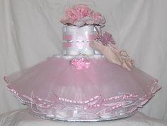 Нежно-розовый торт из памперсов