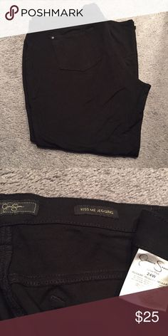 Black Jessica Simpson Denim jeggins plus Size 24W Gently worn! Black Jessica Simpson Denim jeggins. Plus Size 24W Jessica Simpson Pants