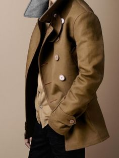 #LGB Style Homme. Men, well dressed. Short #Trench
