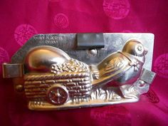 Antique-Chocolate-Mold-Chick-Pulling-Easter-Egg-in-Cart-Walter-8468-Germany