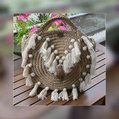Chanvre et lin Straw Bag, Artisan, Crochet, Fashion, Pom Poms, Hemp, Purse, Hands, Moda