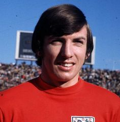Latest Sports Guest Announcement - Martin Peters Attending: Saturday Autograph Price: Photoshoot Price: Duo with Geoff Hurst England Football Players, England Players, Pure Football, Football Team, Geoff Hurst, Martin Peters, West Ham United Fc, Bristol Rovers, England National