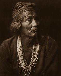 Nesjaja Hatali, Navajo Medicine Man, 1904