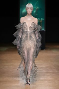 Iris van Herpen 'Aeriform' Fall 2017 Couture Collection | Tom + Lorenzo