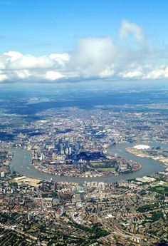 London with the River Thames bending around Docklands and the Millenium DomePicture: Julian Hall