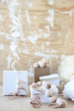 ☆ White Christmas Wonderland ☆  natural & white gift wrap for christmas