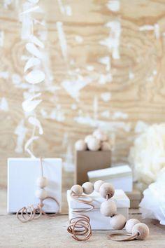 ☆ White Christmas Wonderland ☆  natural & white gift wrap for christmas