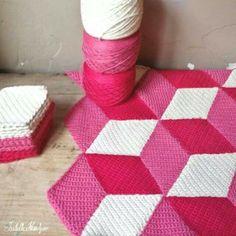 Patroon ruit via jellina creations. Crochet Diy, Crochet Home, Knit Or Crochet, Crochet Motif, Crochet Crafts, Crochet Stitches, Crochet Projects, Simple Crochet, Ravelry Crochet
