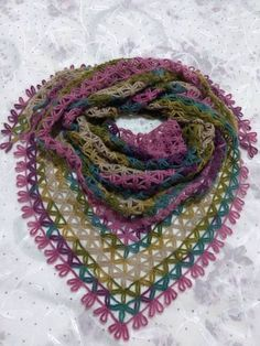 bufanda triangular a crochet ravelryStar Shawl ModelString Star Shawl MakingThis Pin was discovered by TC Crochet Shawl Diagram, Poncho Au Crochet, Crochet Blouse, Knitted Shawls, Crochet Scarves, Lace Knitting, Crochet Motif, Crochet Lace, Crochet Stitches Patterns