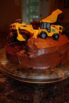 DIY Construction Birthday Cake in 3 steps: Bake, Break, Ice