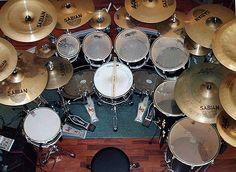 Image from http://www.drummerworld.com/pics/drumpics27/georgekollias2348679.jpg.
